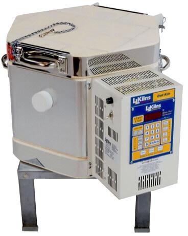 ドールテスト小型電気窯の蓋を閉じた状態(前面)