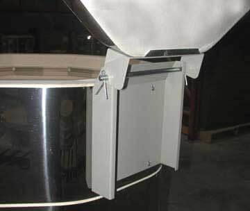 小型と中型電気窯のヒンジ(背面)