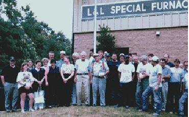 1998年の工場新設の記念写真