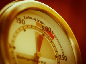 電気窯の温度計